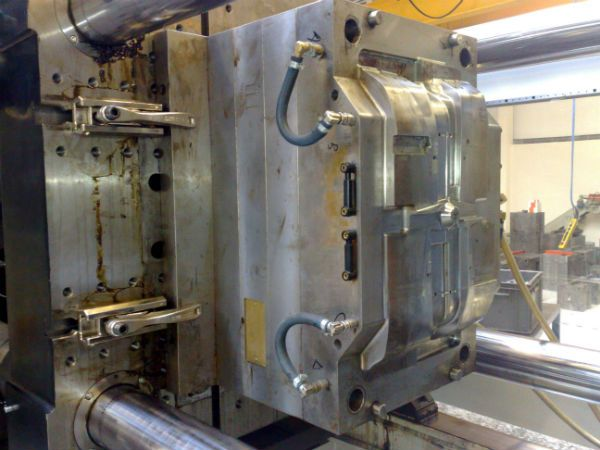 Lenzkes Clamping Mould clamping systems 3